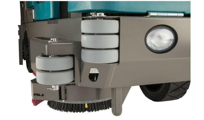 M20 - TENNANT Integrated Rider Sweeper-Scrubber - International